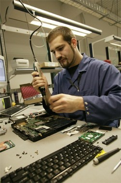 Laptop Engineer